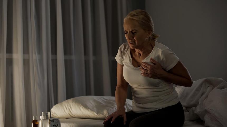 Herzinfarkt bei Frauen – das sind Warnsignale