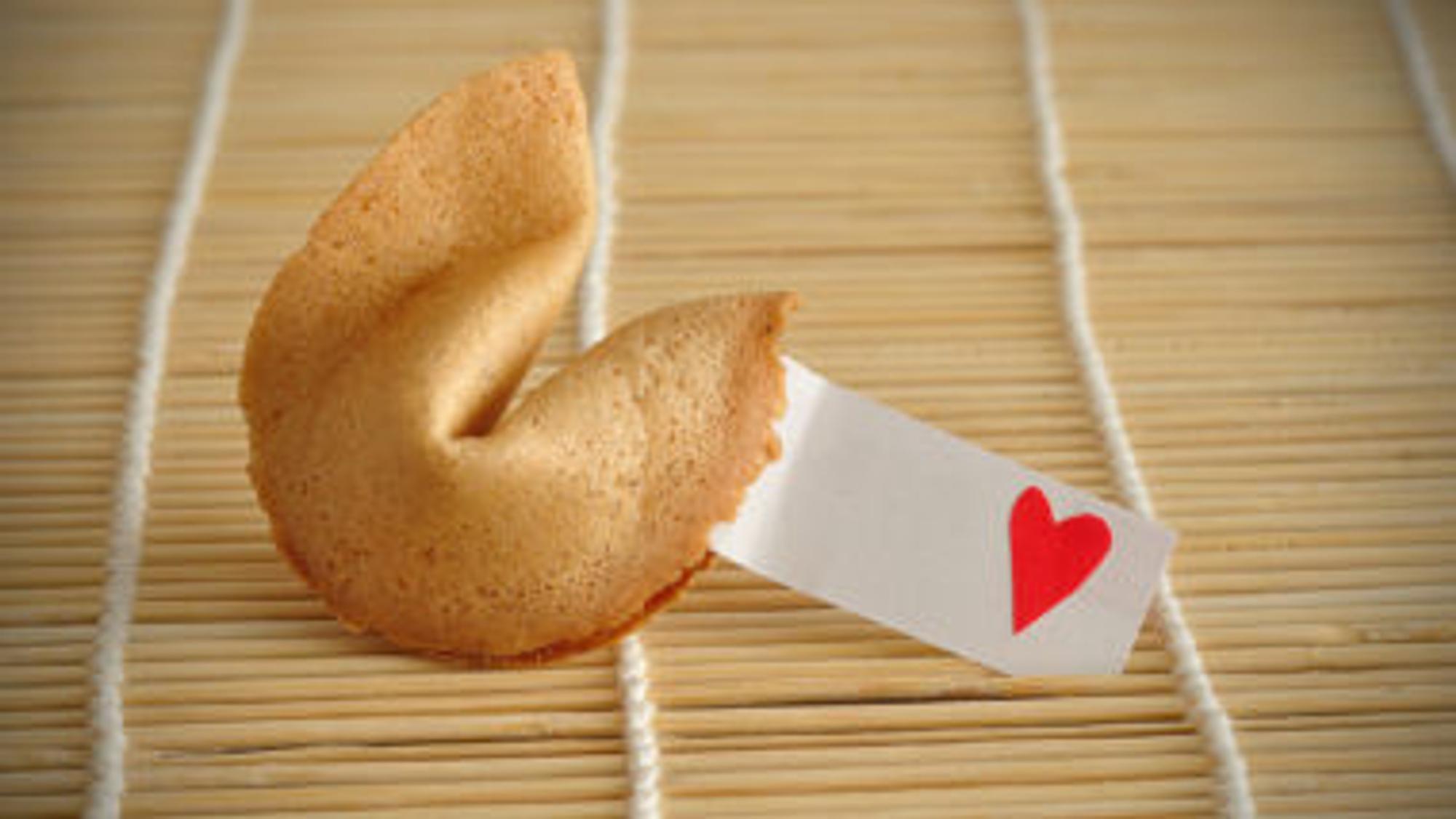 Glückskeks mit Herz-Zettel