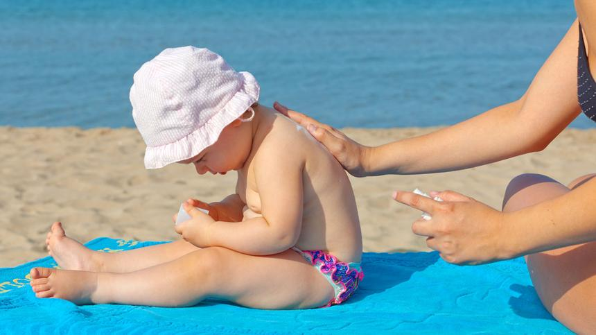 Ein Sonnenbrand kann je nach Intensität, langfristige Schäden hinterlassen.