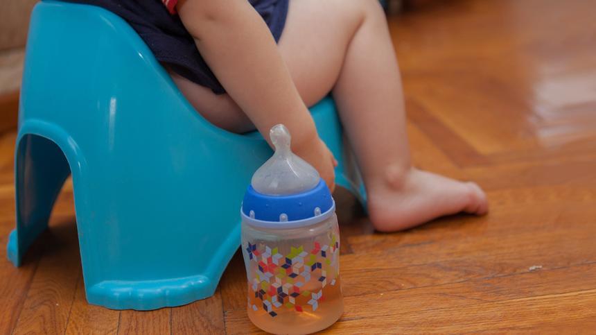 Was hilft, wenn das Kleinkind Verstopfung hat?