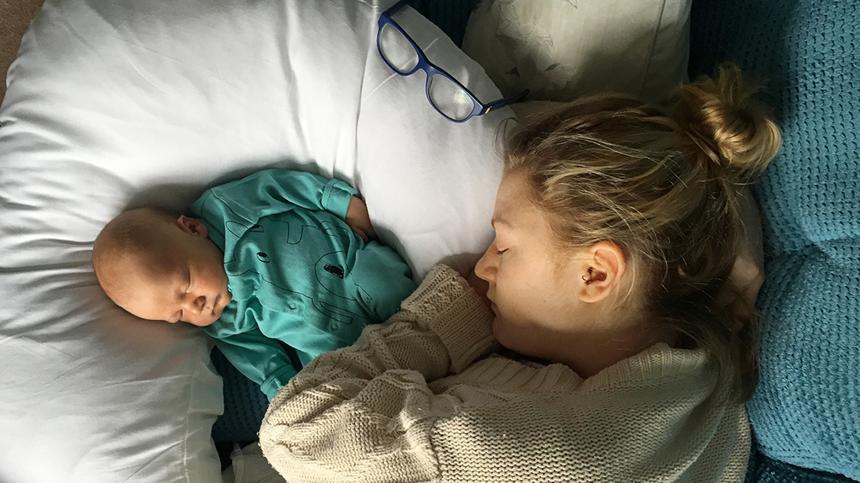 Wie viel schlafen Babys? Ein Überblick über das 1. Jahr