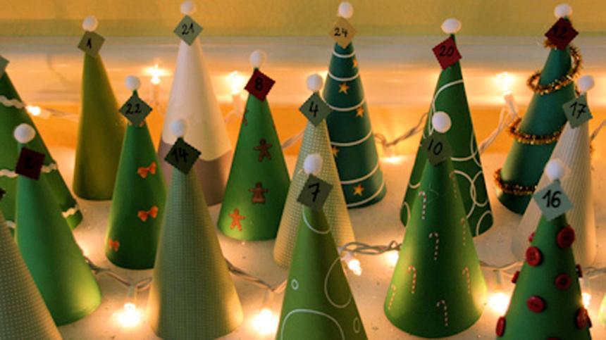 Adventskalender-Tannenbäume: Mit unserer Anleitung ganz leicht nachzubasteln