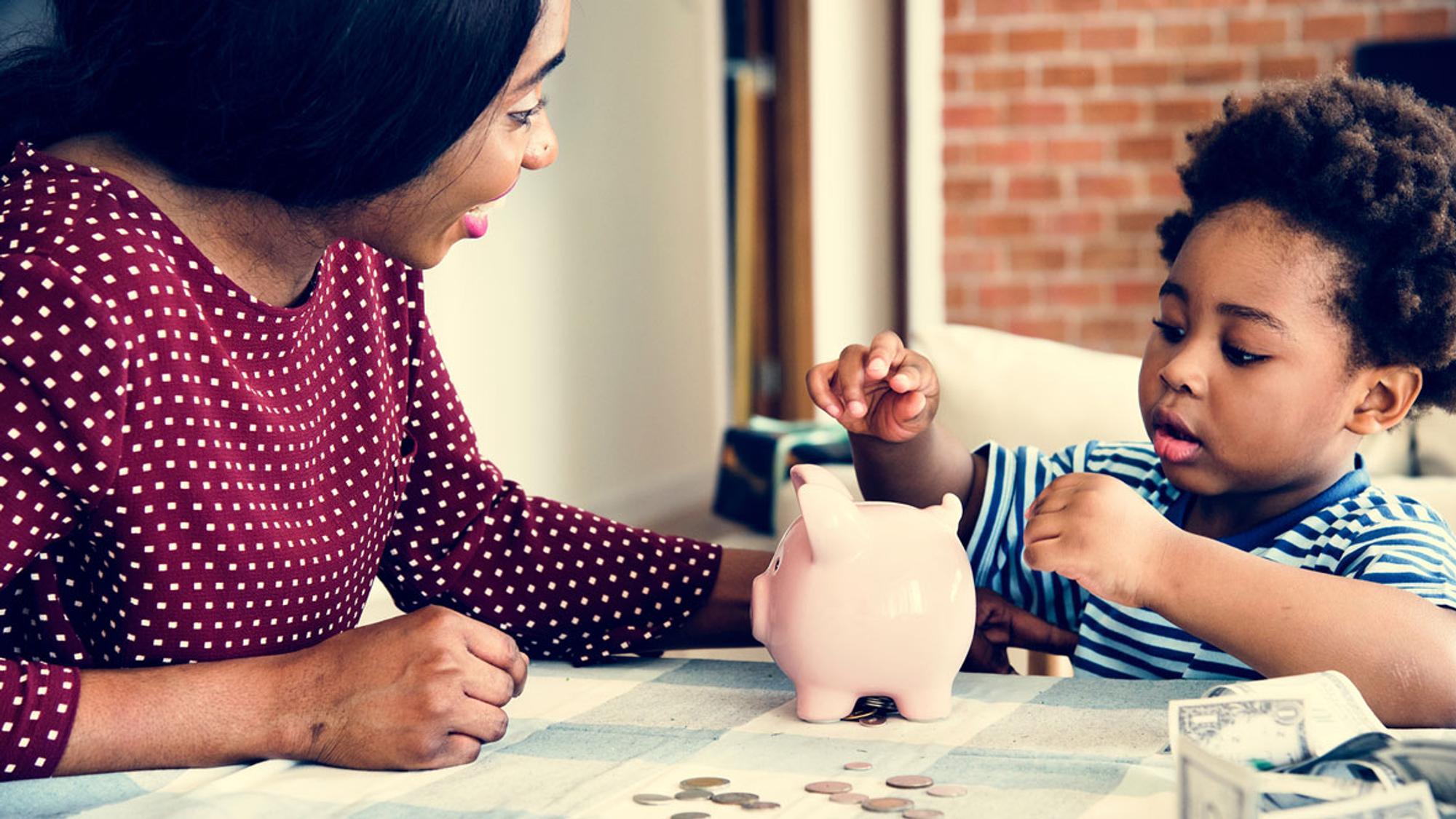 Wieviel Taschengeld Kinder bekommen sollten ist abhängig vom Alter