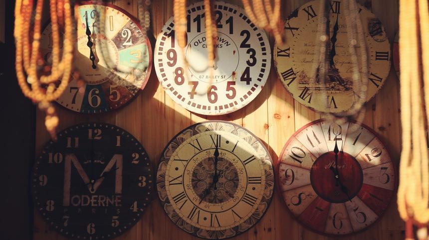 Wie können Kinder die Uhr lernen? Mit ein paar Tricks ist das gar nicht so schwer.