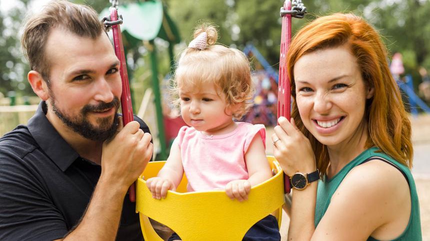 Eltern und ihre Kinder sorgen dafür, dass der Generationenvertrag auch künftig noch funktioniert