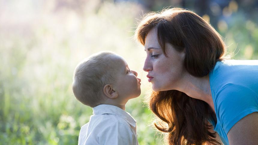 Ich küsse mein Kind auf den Mund - und finde das völlig