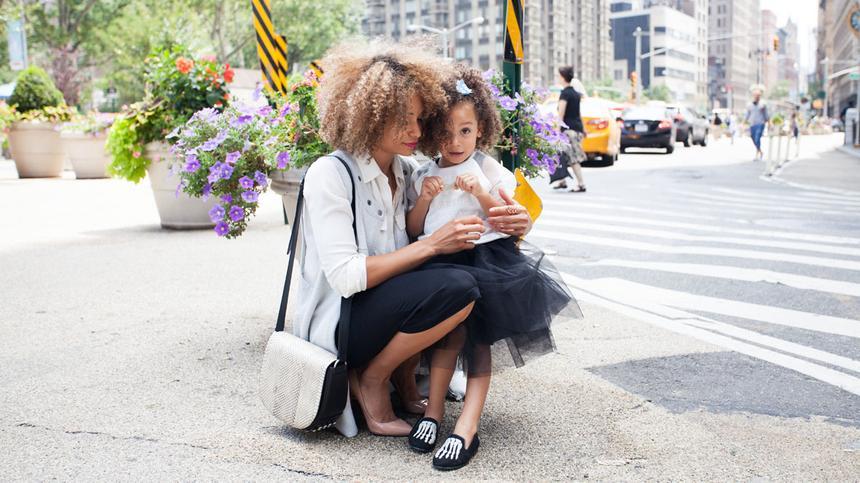Ist es peinlich, wenn Mutter und Tochter Partnerlook tragen? Unsere Autorin findet nicht!