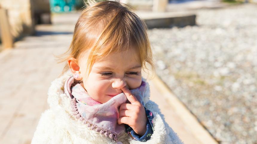 Popel essen: Für Eltern ekelhaft, für Kinder gesund