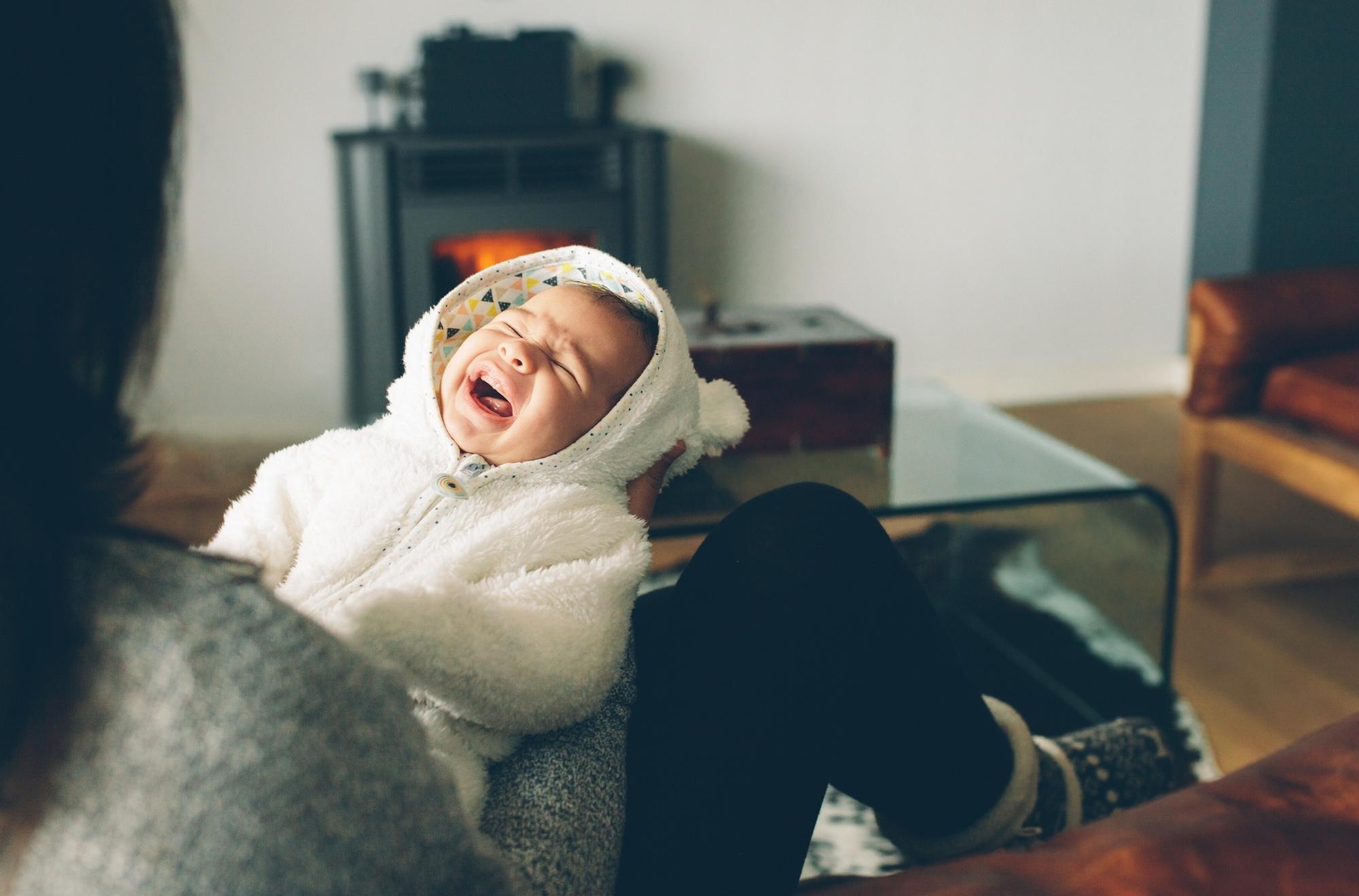 Wenn das eigene Baby immer schreit, leidet auch die Psyche der Mutter.