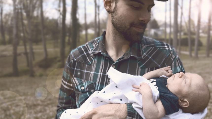 Die Verbindung zwischen Vater und Kind ist ganz besonders - nicht nur in den ersten Monaten.