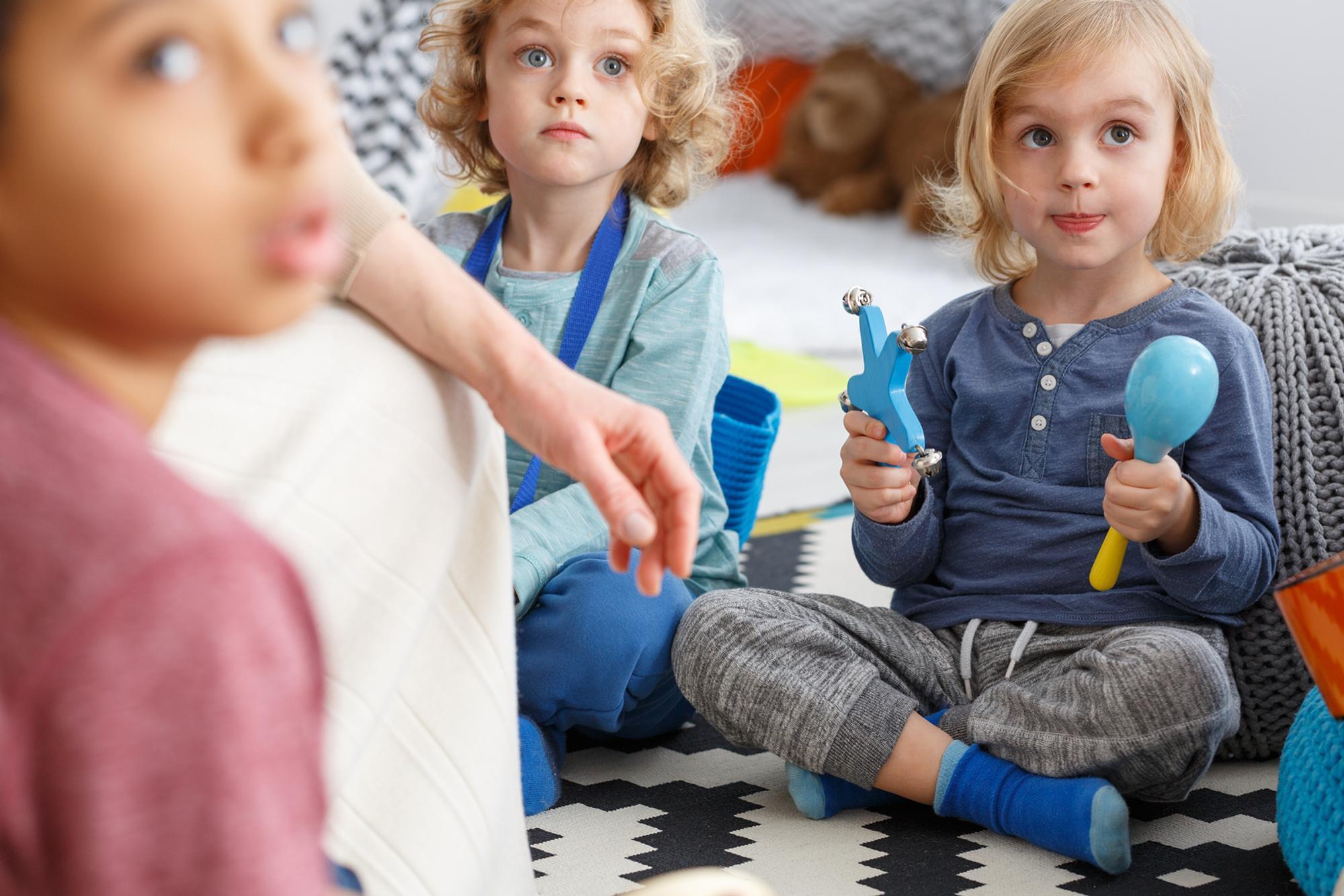 Mit neuen Ideen kann ein Morgenkreis die Entwicklung von Kindern fördern.