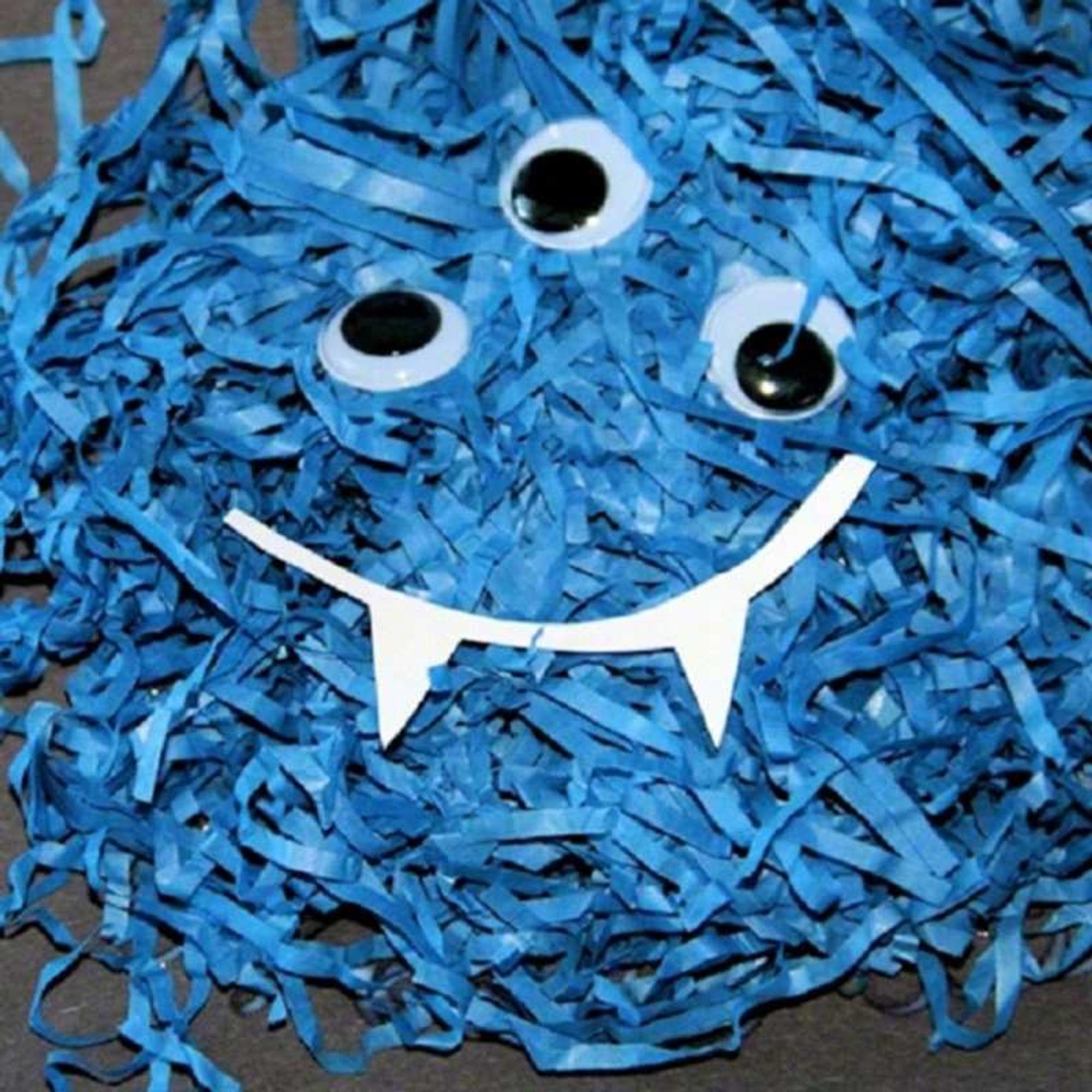 Papier-Schnipsel-Monster als Halloween-Deko basteln