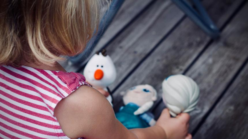 Wieviel Spielzeug braucht dein Kind wirklich?