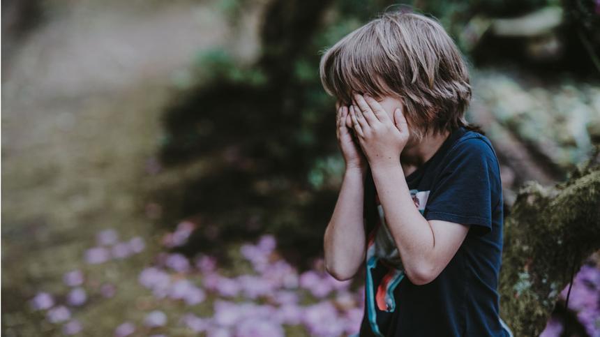Gehirnerschütterung: Symptome bei Kindern erkennen