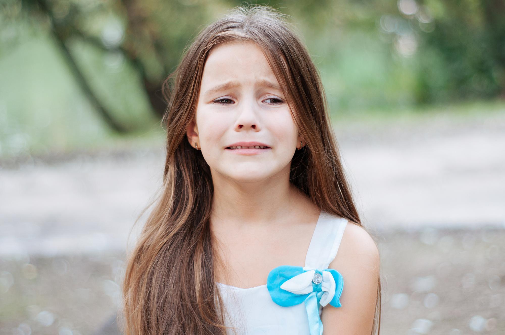 Mädchen weint