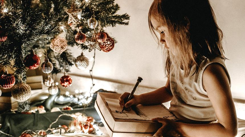 Mit einer Wunschzettel-Vorlage können auch die Kleinsten an den Weihnachtsmann schreiben.