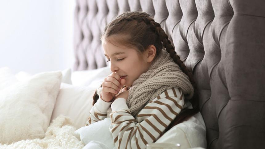 Wenn Reizhusten Kinder wach hält, brauchen sie pflanzliche Hilfe.