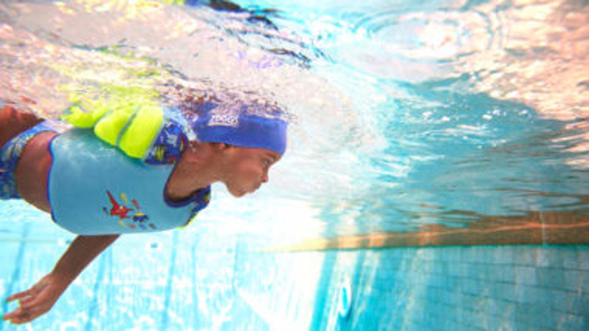 So macht Schwimmen lernen Spaß