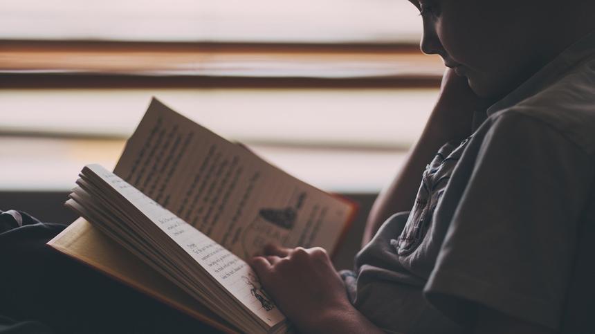 Unser Autor findet, dass Kinder in den Ferien nicht lernen müssen.