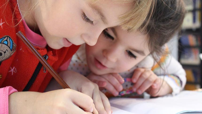 Der Lerntypentest teilt Kinder in verschiedene Lerntypen ein. Welcher Lerntyp ist dein Kind?