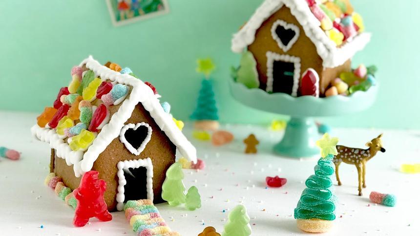 Lebkuchenhäuser kann man kreativ verzieren