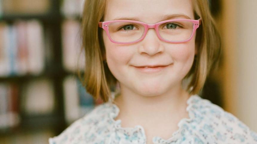Wann braucht mein Kind eine Brille und was sollte ich beachten?