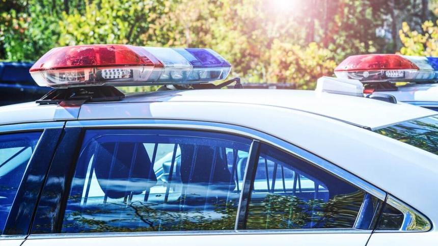 Die Polizei reagiert wundervoll auf den Notruf des Kindes