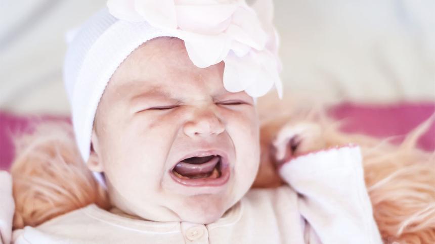 Hat mein Baby ein verkürztes Zungenbändchen?