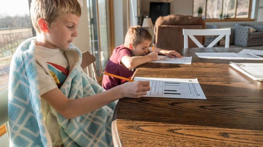 Wenn die Schulen zu sind gibt es nur eine Möglichkeit: Homeschooling.