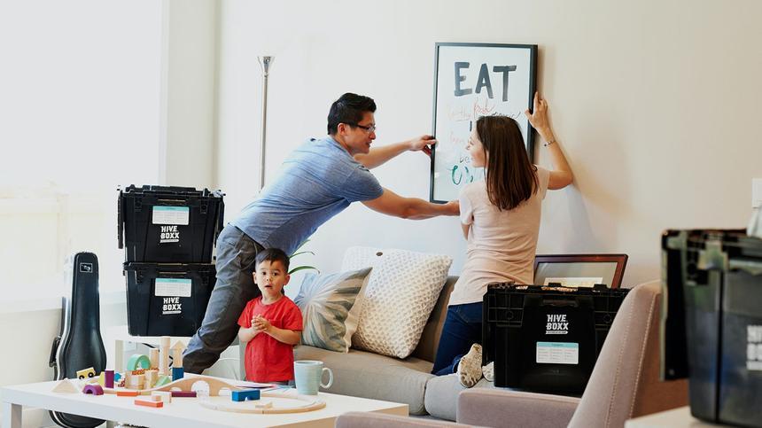 Umzug mit Kind kann einen vor großen Herausforderungen stellen.