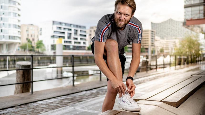 Der Beachvolleyball-Olympiasieger leidet an Schuppenflechte.