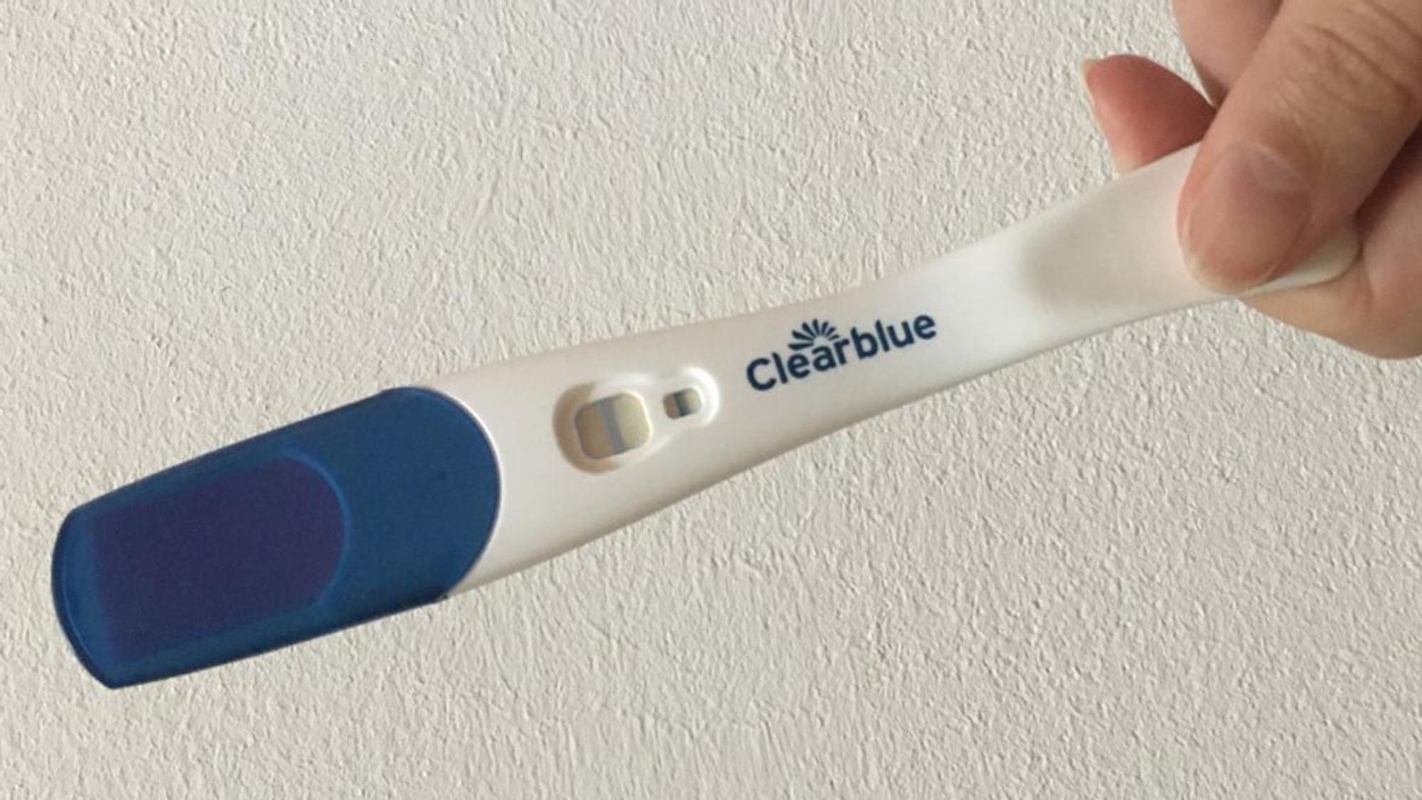 Schwangerschaftstest Positiv Blutungen Und Schmerzen