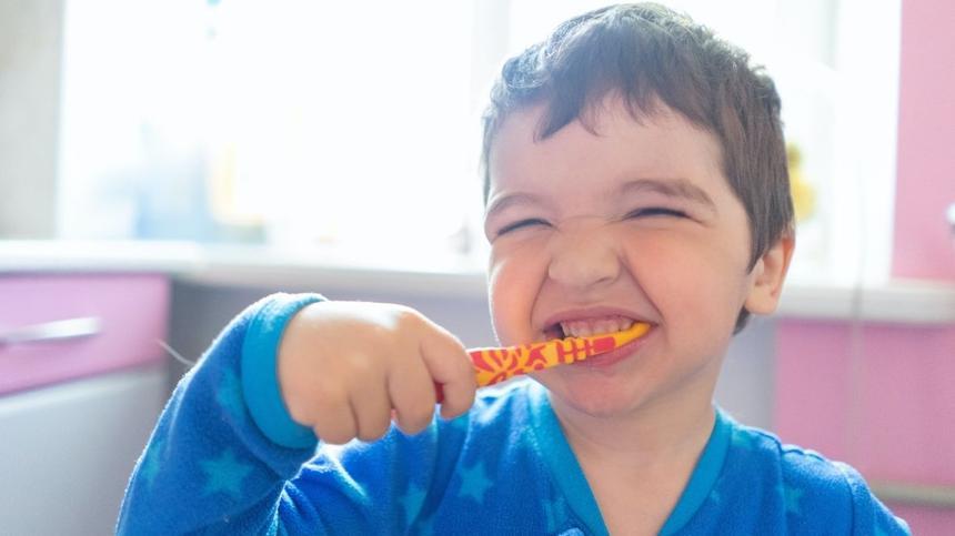 Mehr Spaß mit Zahnputzliedern.