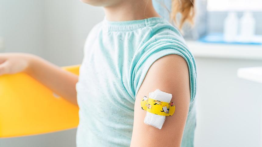 Kind nach einer Impfung